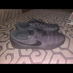 Nike sb low tops